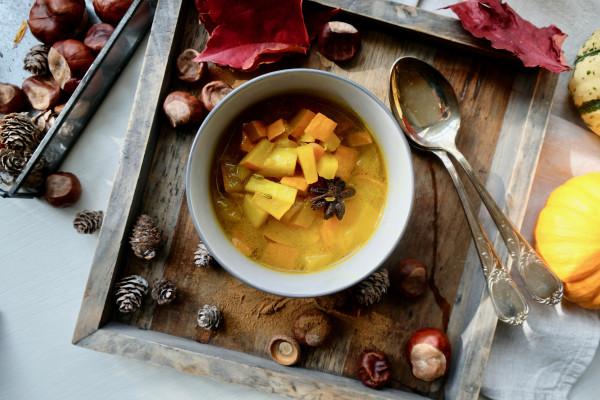 Kurkuma-Kürbis-Suppe