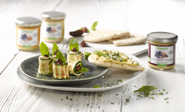 Zucchini-Röllchen mit Lein-Dattel-Oriental